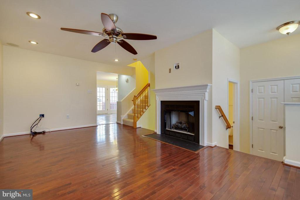 Living Room - 11058 DOUBLEDAY LN, MANASSAS