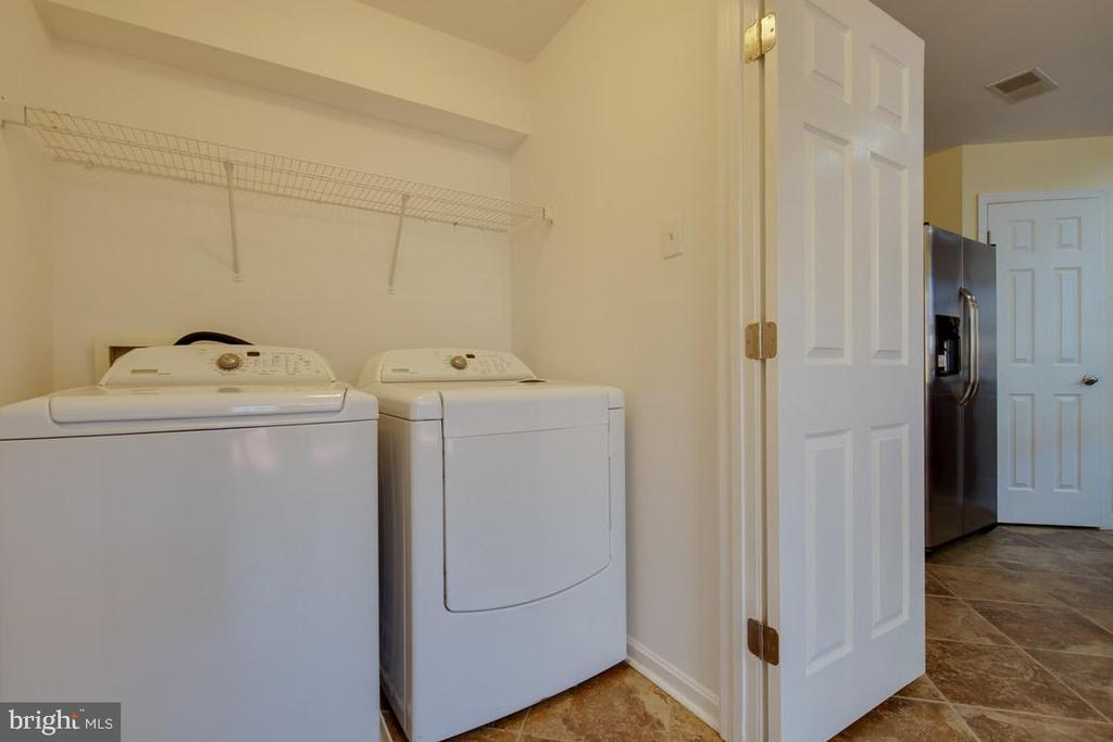 Full size washer/dryer - 11058 DOUBLEDAY LN, MANASSAS