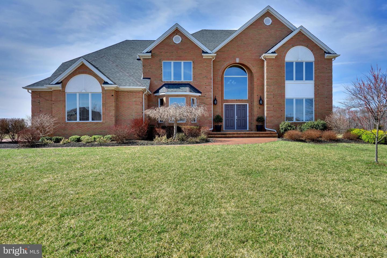 Maison unifamiliale pour l Vente à 9 LAUREN Hamilton, New Jersey 08620 États-UnisDans/Autour: Hamilton Township