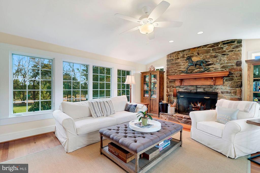 Wood burning stone fireplace - 35422 PAXSON RD, ROUND HILL
