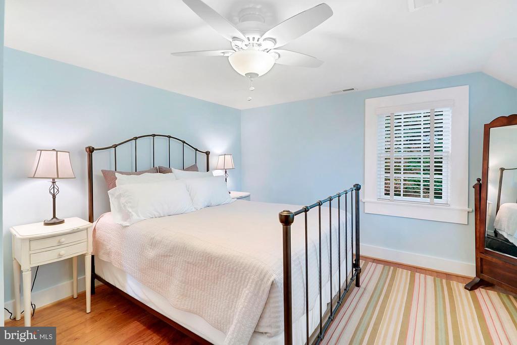 Master bedroom - 35422 PAXSON RD, ROUND HILL