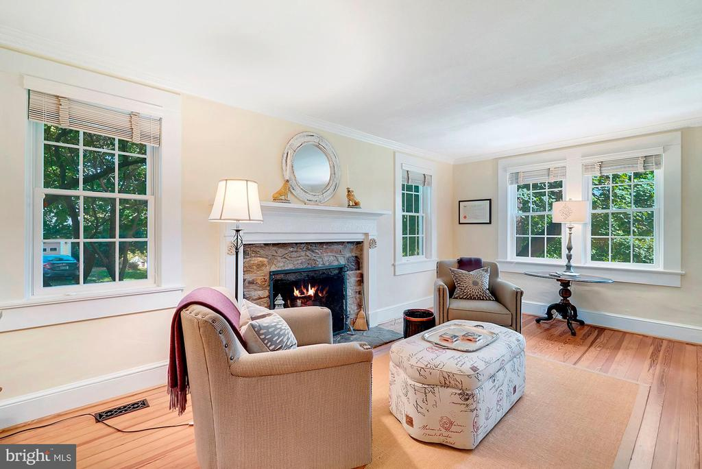 Perfect place to read a book - 35422 PAXSON RD, ROUND HILL