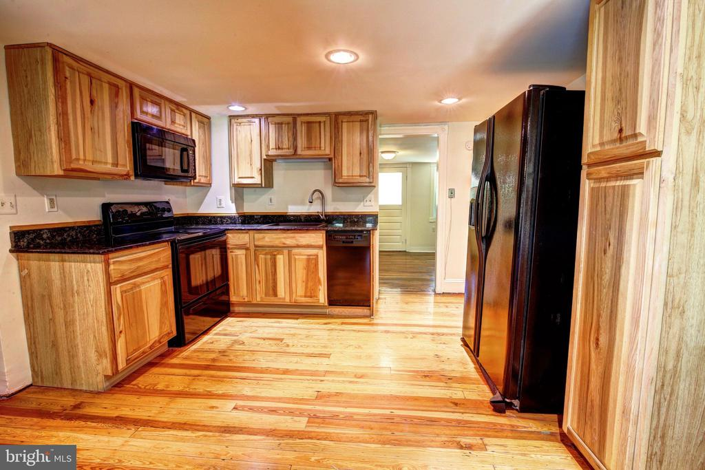 Updated kitchen - 37291 BRANCHRIVER ROAD, PURCELLVILLE