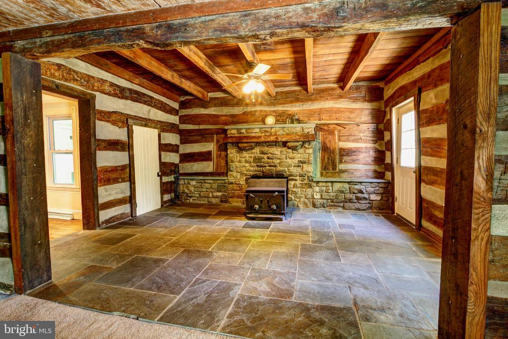 Slate floors - 37291 BRANCHRIVER ROAD, PURCELLVILLE