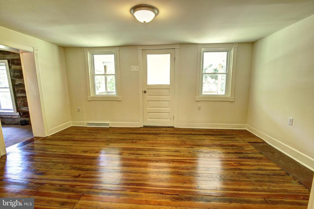 Front room - 37291 BRANCHRIVER ROAD, PURCELLVILLE