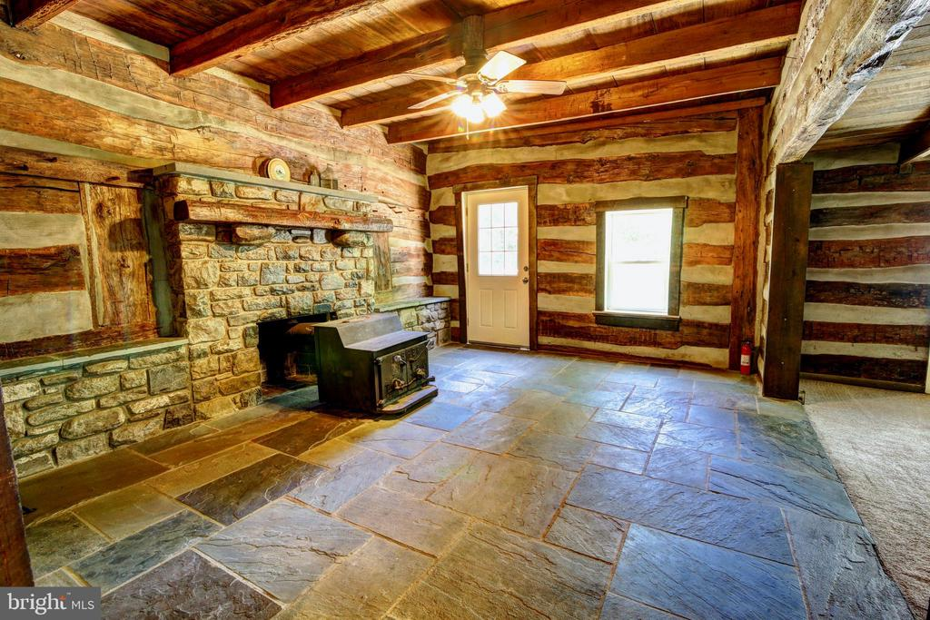 Original log cabin built in late 1700s - 37291 BRANCHRIVER ROAD, PURCELLVILLE