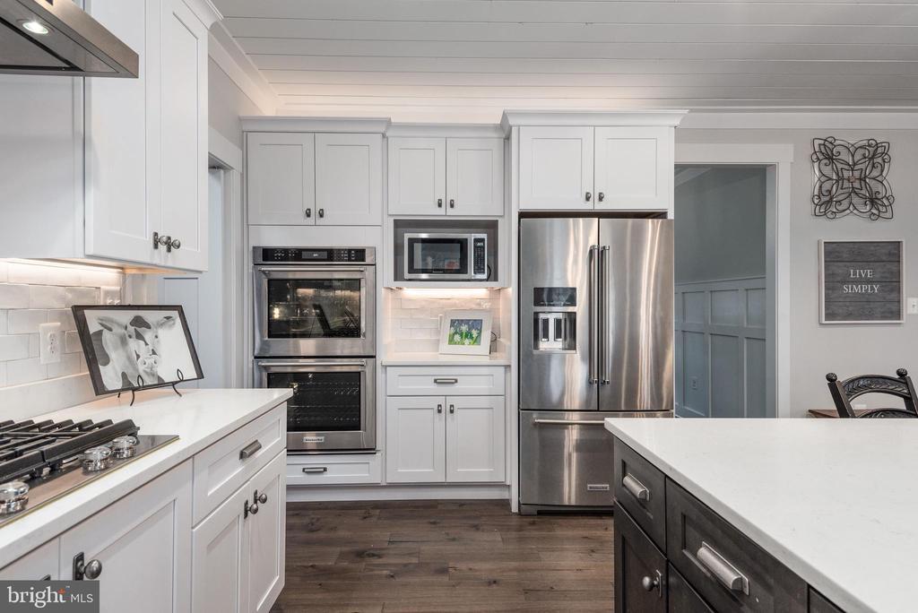 High-end KitchenAid appliances. - 79 INDIAN POINT RD, STAFFORD