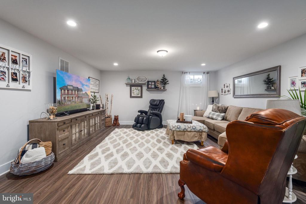 Large, open area in basement. - 79 INDIAN POINT RD, STAFFORD