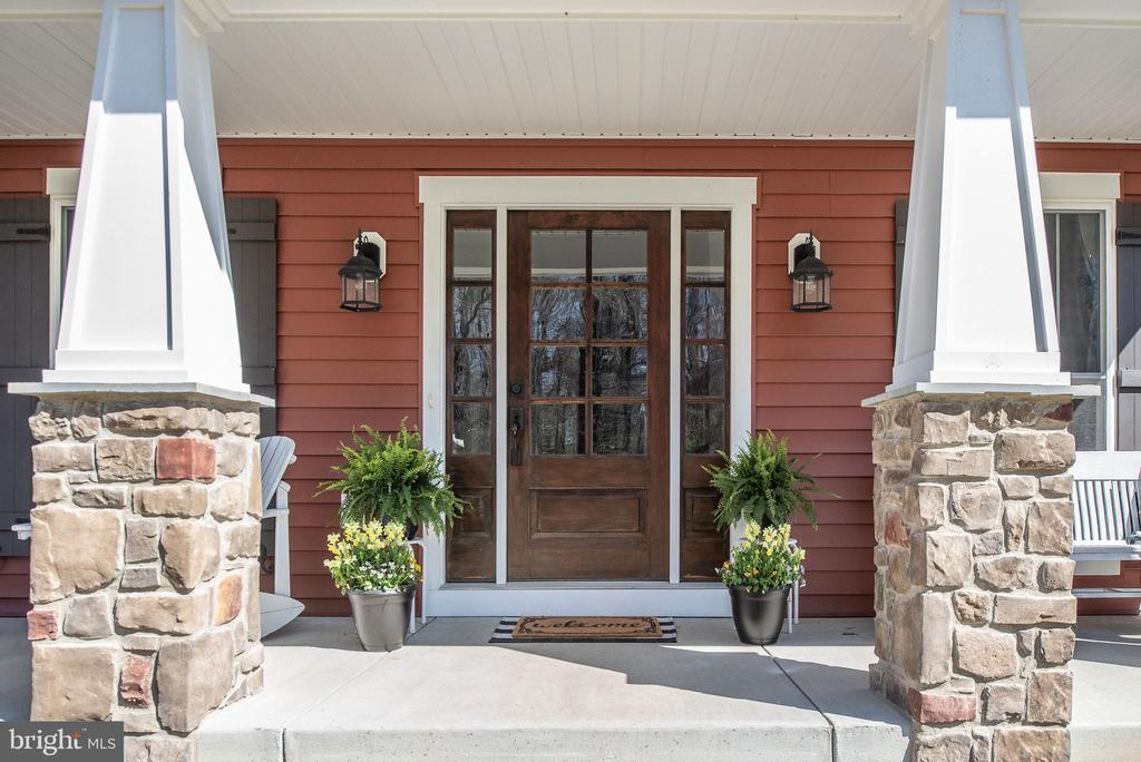 Welcoming front porch. - 79 INDIAN POINT RD, STAFFORD