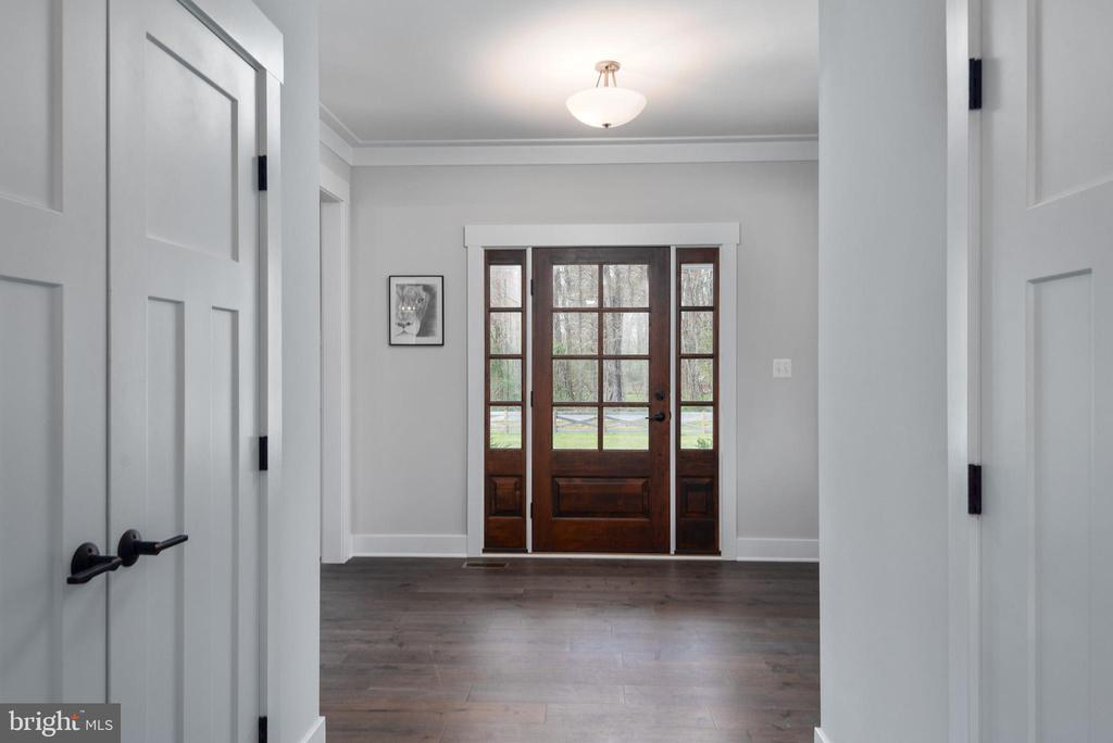 Open foyer. - 79 INDIAN POINT RD, STAFFORD