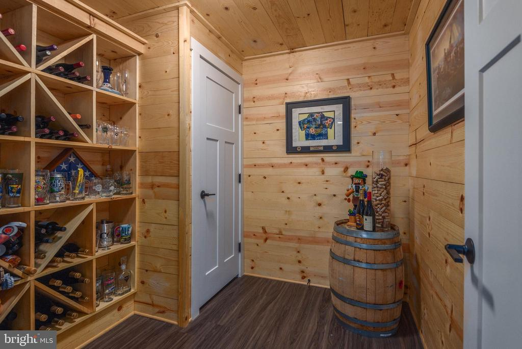 Perfect area for your favorite wines. - 79 INDIAN POINT RD, STAFFORD