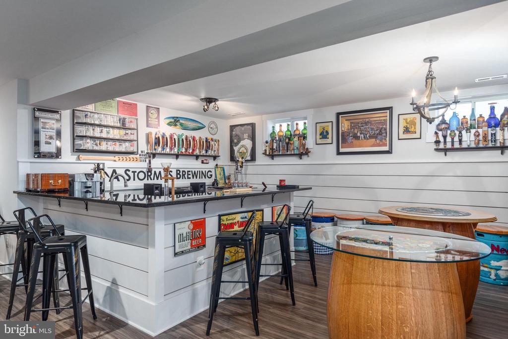 Custom bar. - 79 INDIAN POINT RD, STAFFORD