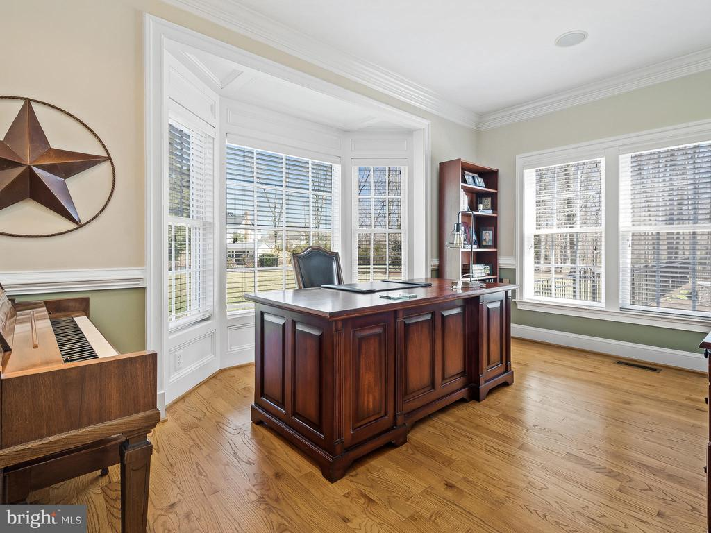 Study with Bay Window - 5203 ROSALIE RIDGE DR, CENTREVILLE