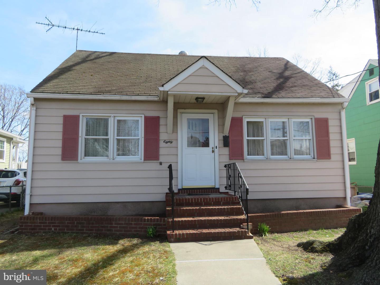 Maison unifamiliale pour l Vente à 80 BAYNES Avenue Gloucester City, New Jersey 08030 États-UnisDans/Autour: Gloucester City