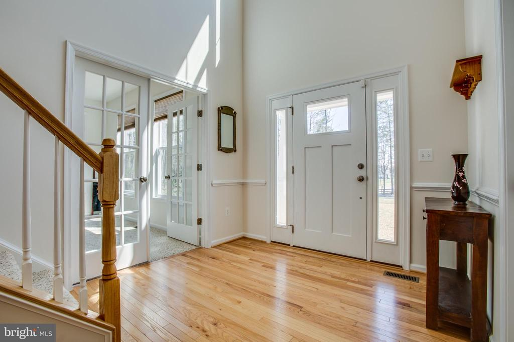 Gleaming hardwoods throughout the main level - 512 RICHARDS FERRY RD, FREDERICKSBURG
