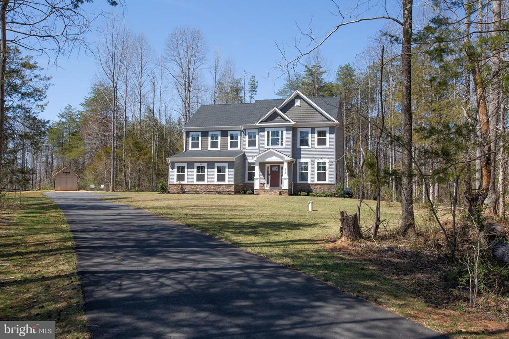 512 Richards Ferry is exudes privacy at its finest - 512 RICHARDS FERRY RD, FREDERICKSBURG