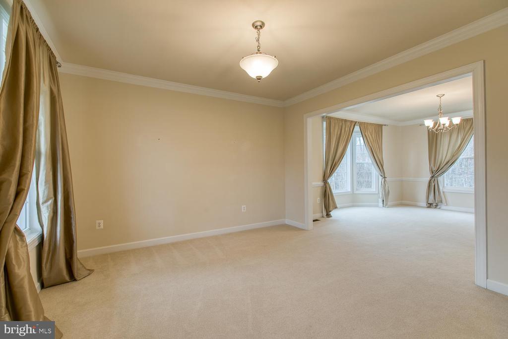 Living Room - 6 NOAHS CT, STAFFORD