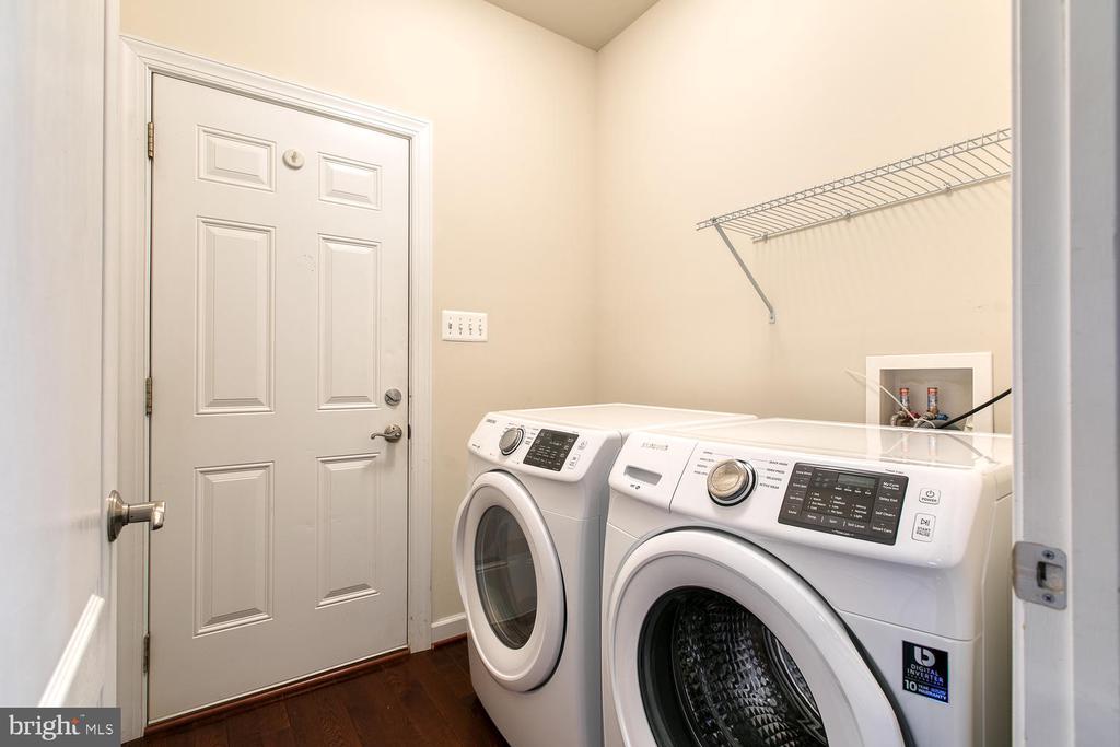 first floor Laundry - 6 NOAHS CT, STAFFORD
