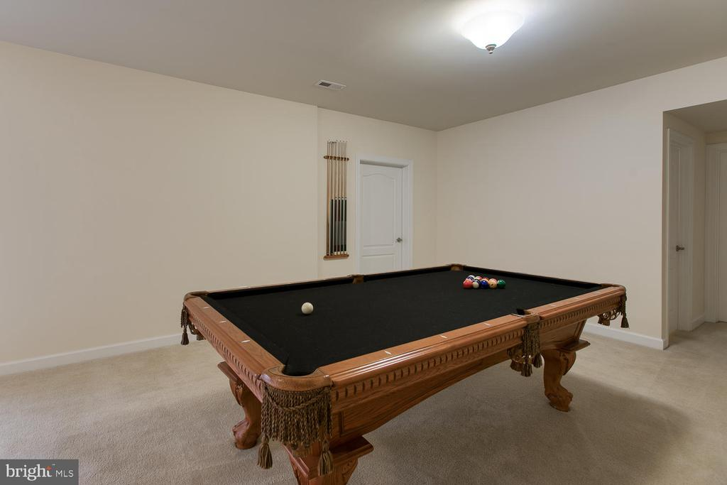 Pool table conveys - 6 NOAHS CT, STAFFORD