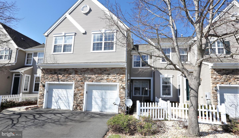 Villa per Vendita alle ore 403 DAHLIA Circle Dayton, New Jersey 08810 Stati UnitiIn/In giro: South Brunswick Township