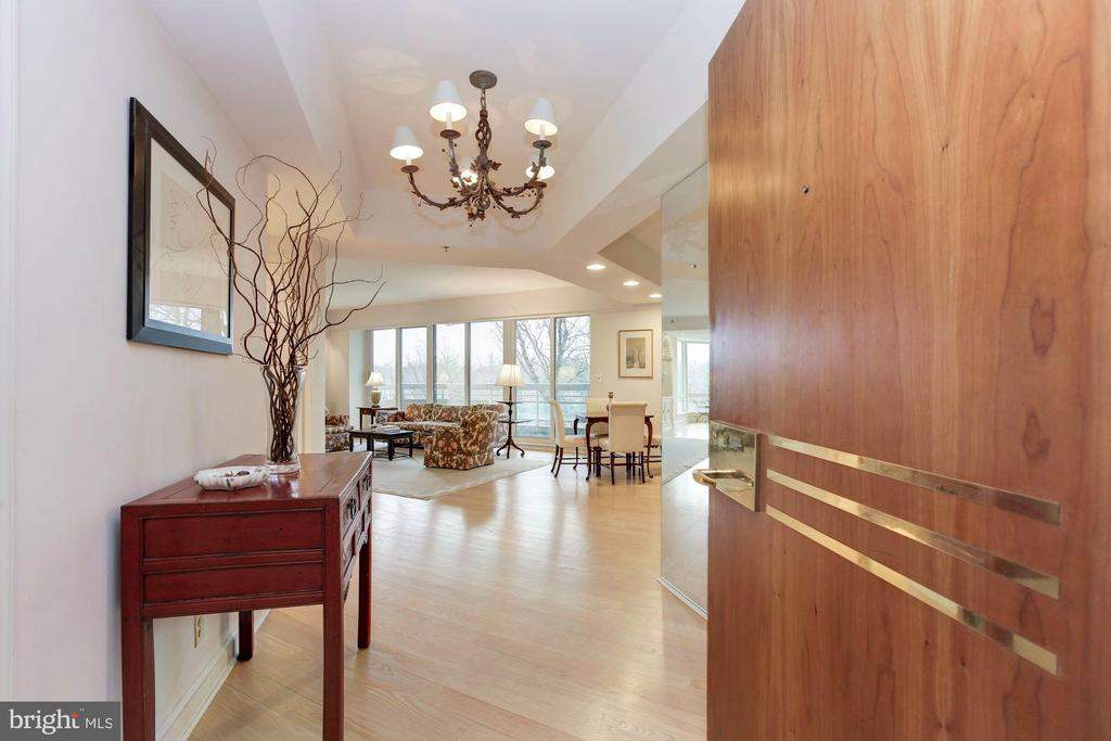 Unit 507 Entrance - 5600 WISCONSIN AVE #1-507, CHEVY CHASE