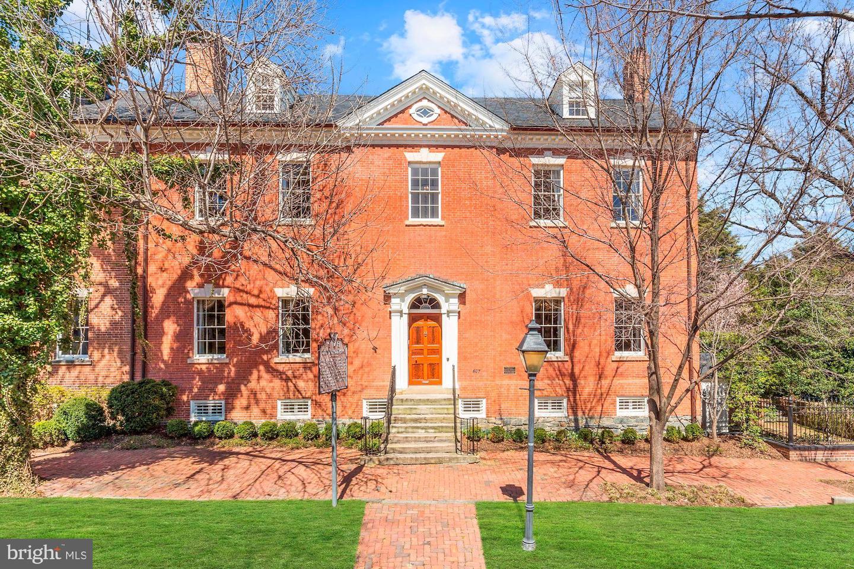 Single Family Home for Sale at 607 Oronoco Street Alexandria, Virginia 22314 United States