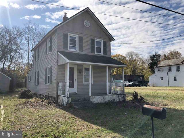 Частный односемейный дом для того Продажа на 115 E ATLANTIC Avenue Minotola, Нью-Джерси 08341 Соединенные Штаты