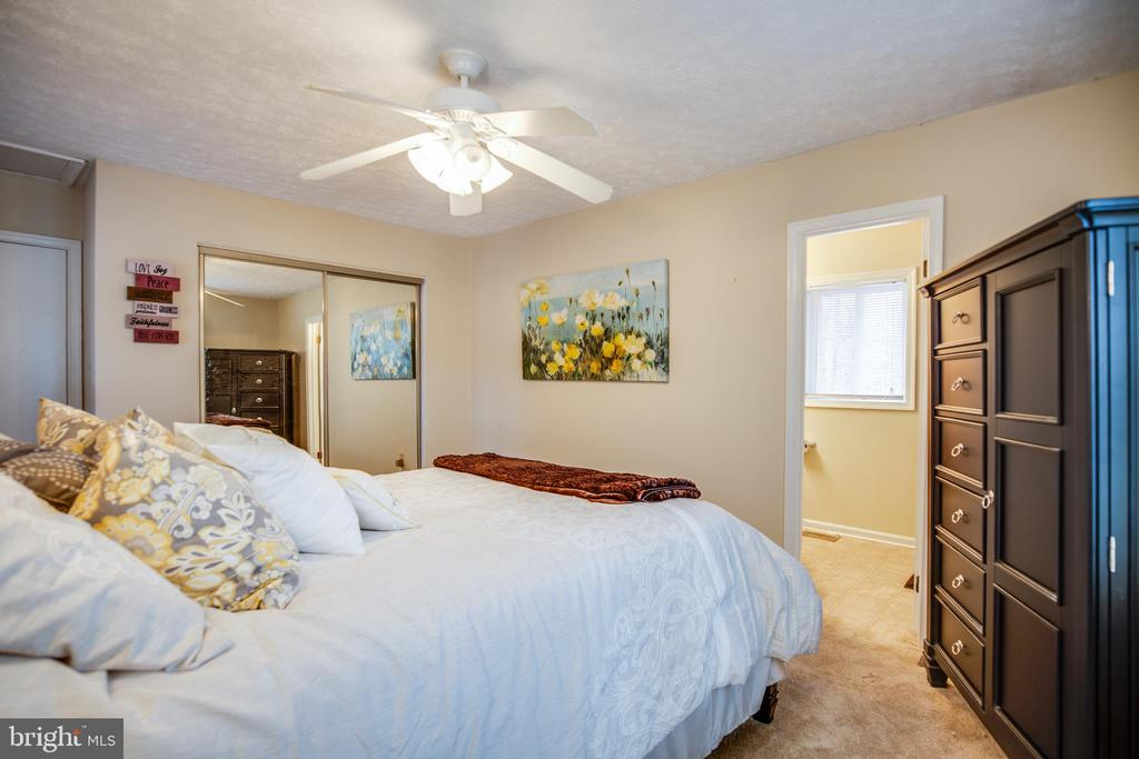 Master bedroom - 3704 LAKEVIEW PKWY, LOCUST GROVE