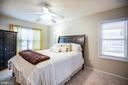 Master bedroom with lots of light - 3704 LAKEVIEW PKWY, LOCUST GROVE