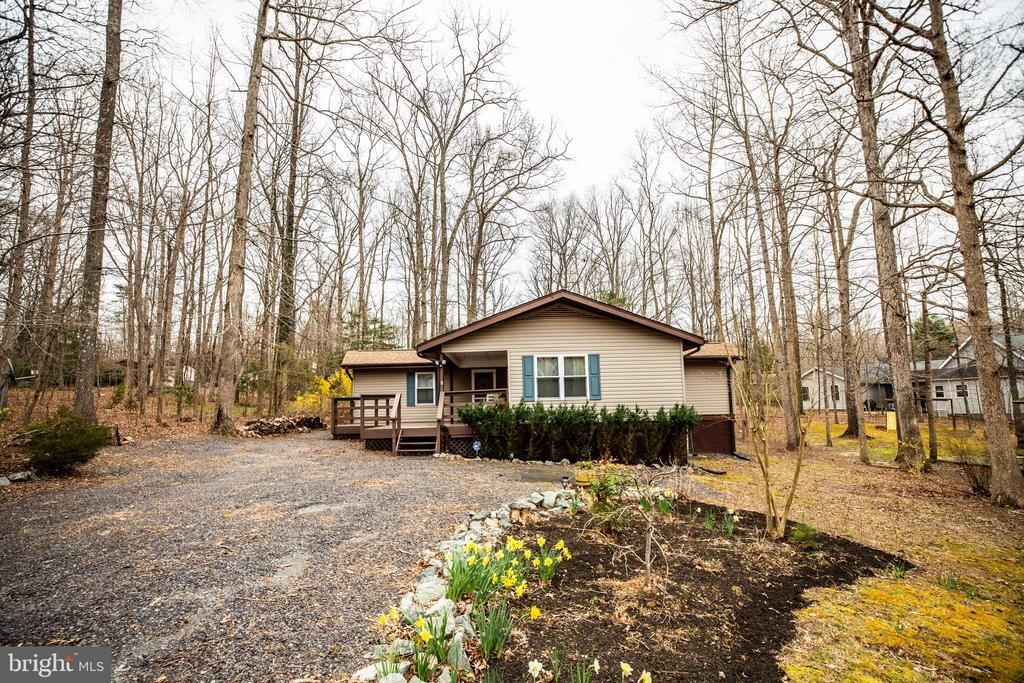 Well-maintained 3 bed/2bath rancher, level lot - 3704 LAKEVIEW PKWY, LOCUST GROVE