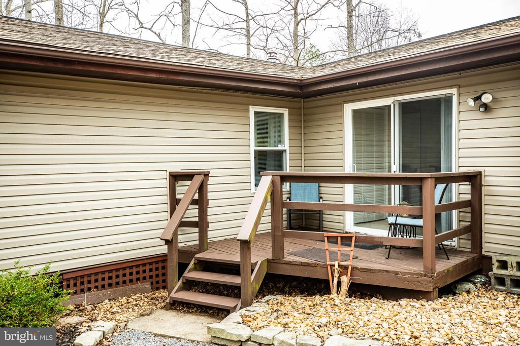 Private deck off bedroom/study #3 - 3704 LAKEVIEW PKWY, LOCUST GROVE