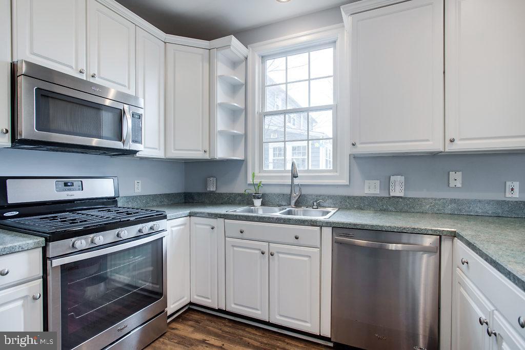 Kitchen - 3514 7TH ST N, ARLINGTON