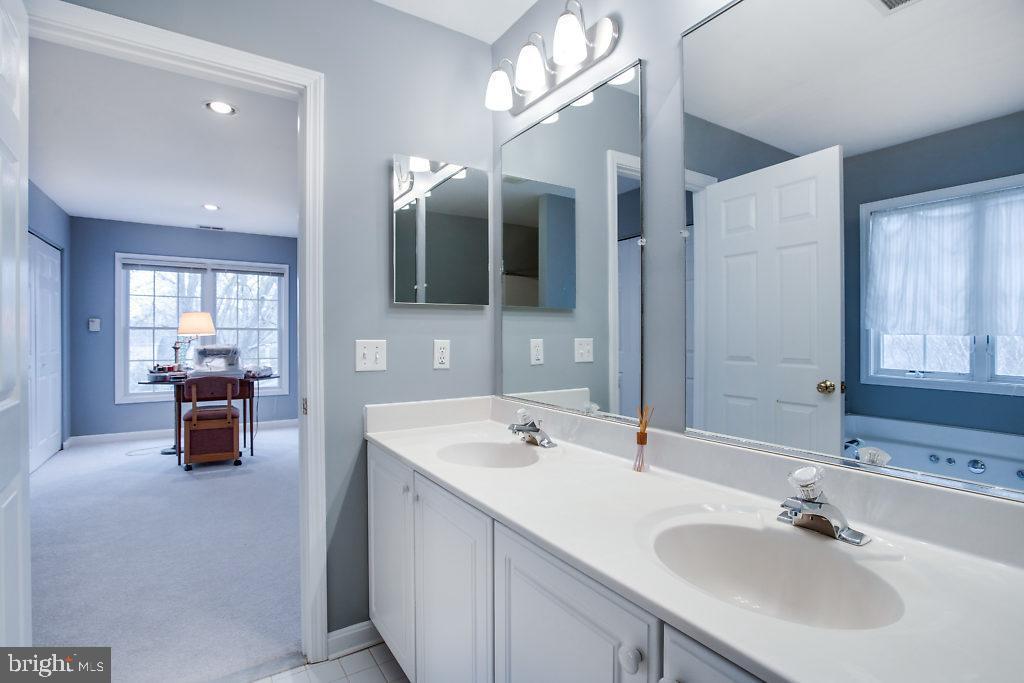 Master Bathroom - 3514 7TH ST N, ARLINGTON