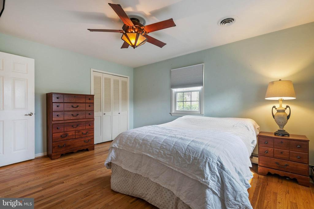 Master bedroom - 15520 JONES LN, GAITHERSBURG
