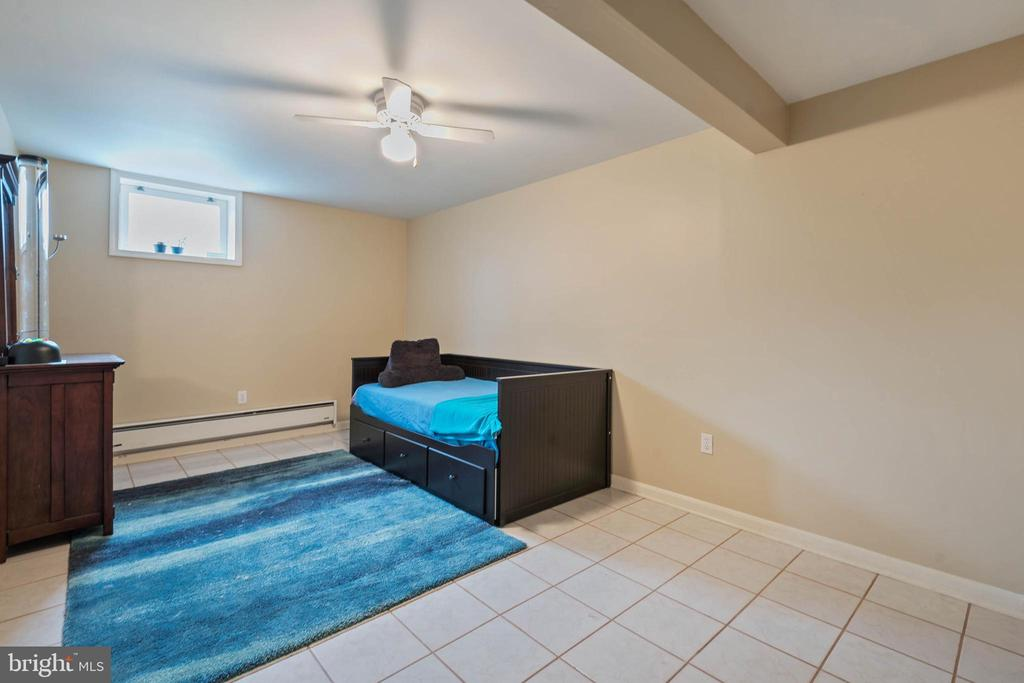 LL Additional Room with closet - 15520 JONES LN, GAITHERSBURG