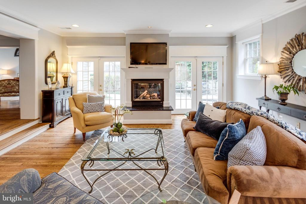 Cozy Year Round w Access to Outside Living - 3216 N ABINGDON ST, ARLINGTON