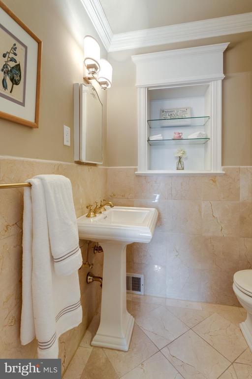 Marble Tile in Bedroom #1 Ensuite Bath - 3216 N ABINGDON ST, ARLINGTON