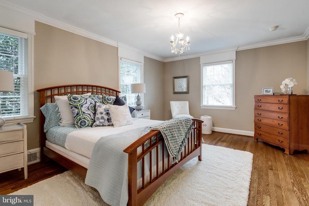 Bedroom #1 with Ensuite Bath - 3216 N ABINGDON ST, ARLINGTON