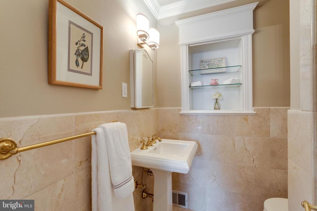 Bedroom #1 Ensuite Bath with Stall Shower - 3216 N ABINGDON ST, ARLINGTON