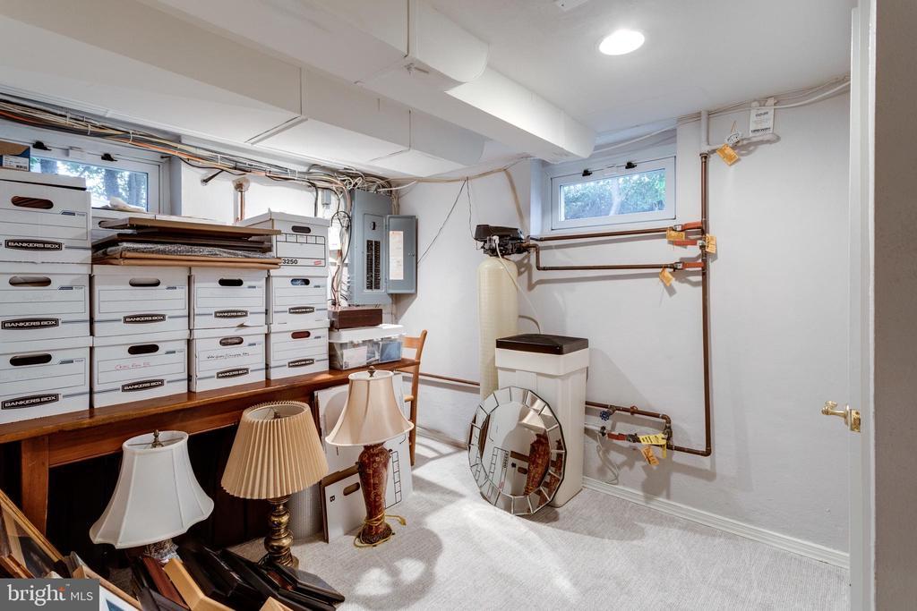 Utility/Storage Room - 3216 N ABINGDON ST, ARLINGTON