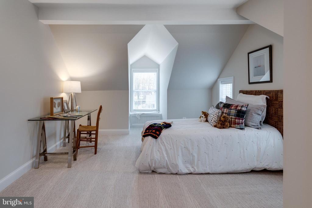 Bedroom #6 with Dormer and Window Seat - 3216 N ABINGDON ST, ARLINGTON