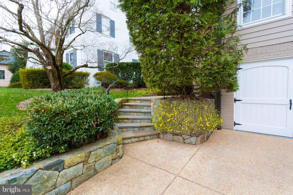 Extensive Hardscaping and Aggregate Driveway - 3216 N ABINGDON ST, ARLINGTON