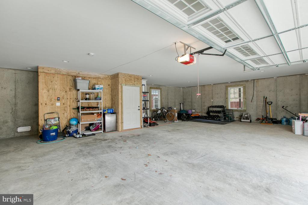 Over sized two car garage with storage closet. - 225 CHARLES ST, FREDERICKSBURG