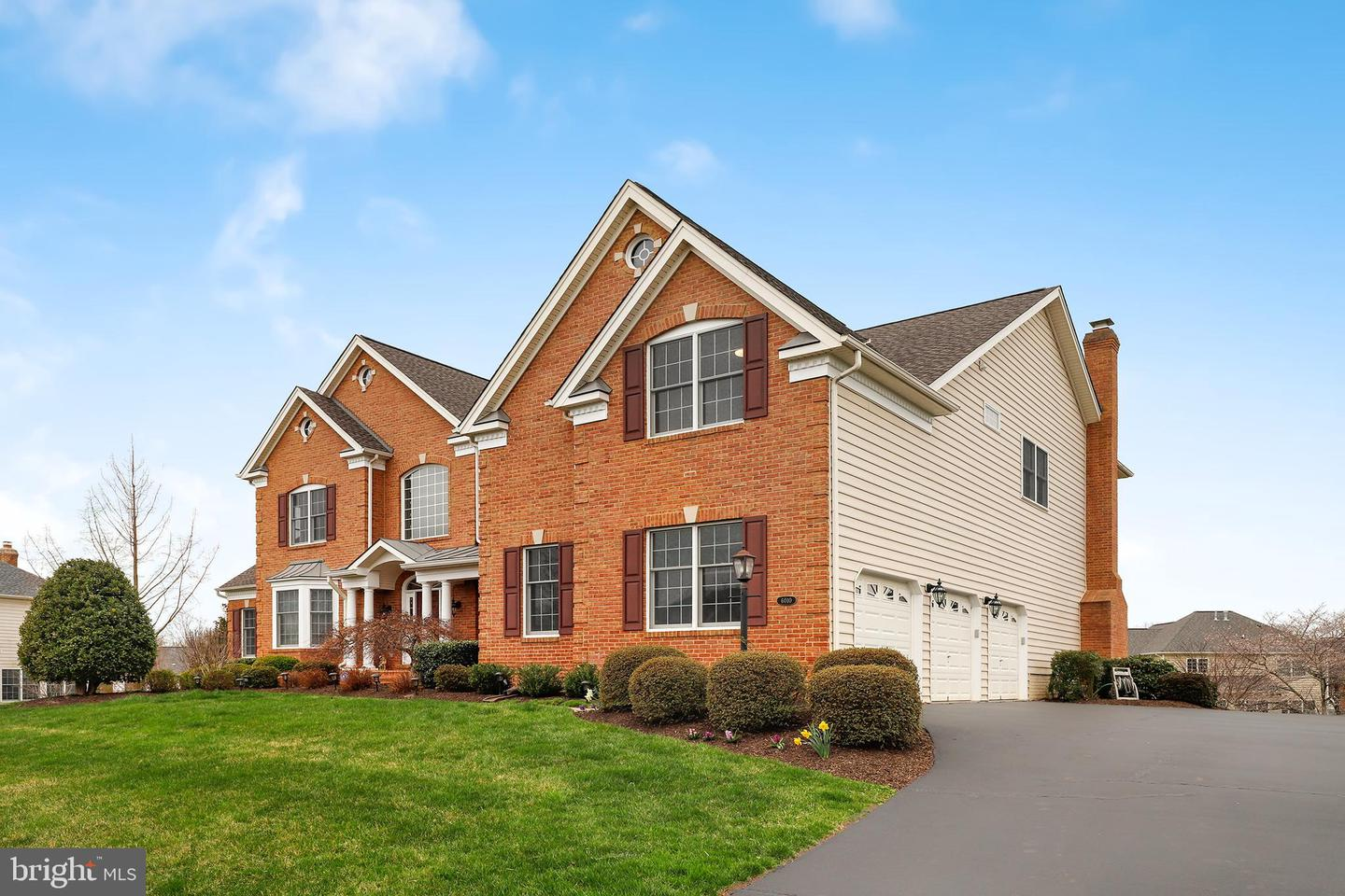 Single Family for Sale at 6010 Empire Lakes Ct Haymarket, Virginia 20169 United States