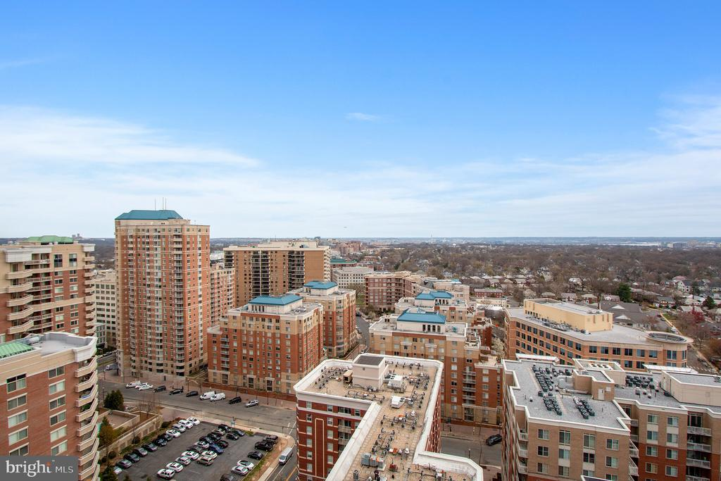 amazing panoramic views - 888 N QUINCY ST #610, ARLINGTON