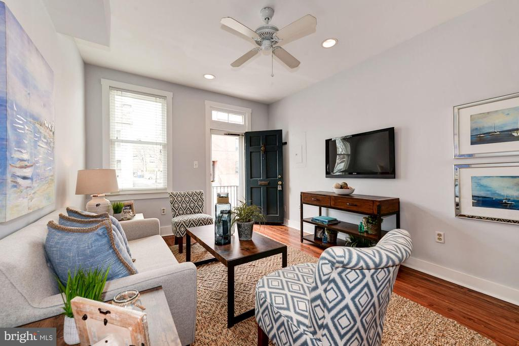 Living Room - Soft Gray Paint Color Palette! - 523 N PATRICK ST, ALEXANDRIA