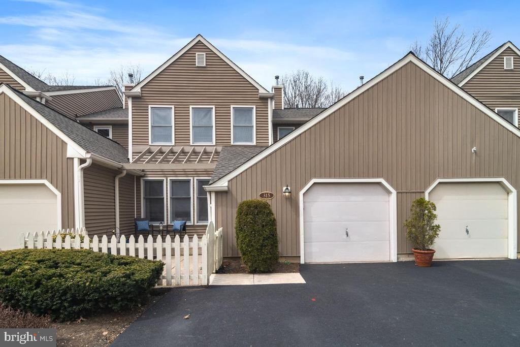 315  ROWANTREE CIRCLE, Yardley, Pennsylvania