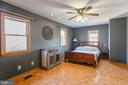 Large main-level master bedroom... - 5755 PILGRIMS REST RD, BROAD RUN