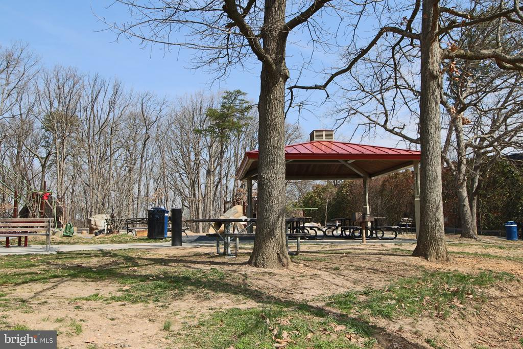 Picnic and Party areas for community use. - 5091 7TH RD S #102, ARLINGTON
