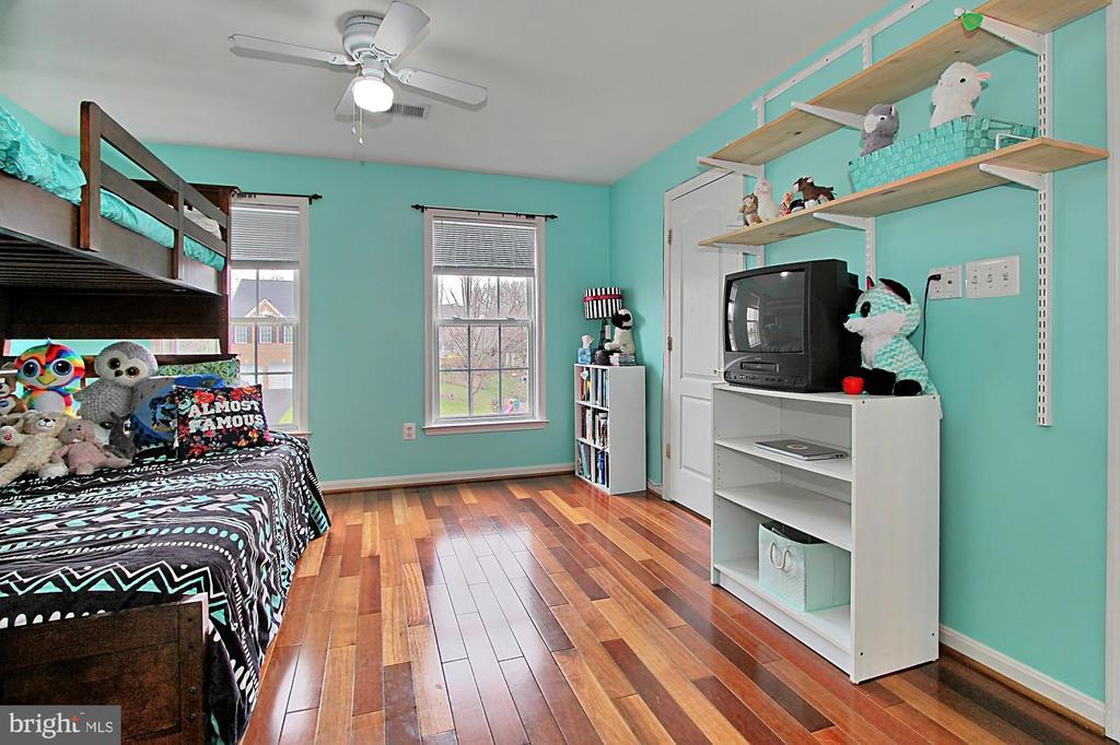 Junior Suite Bedroom With Private Bath - 42669 SILVERTHORNE CT, BROADLANDS